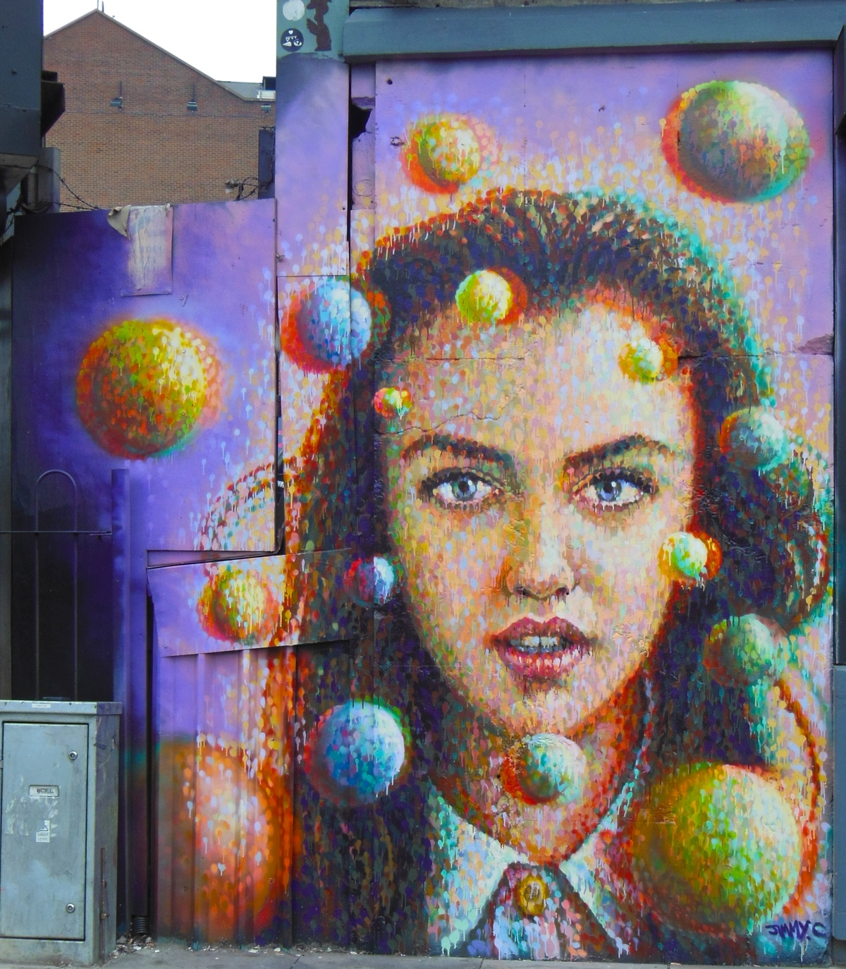 Pointillism Girl in Shoreditch