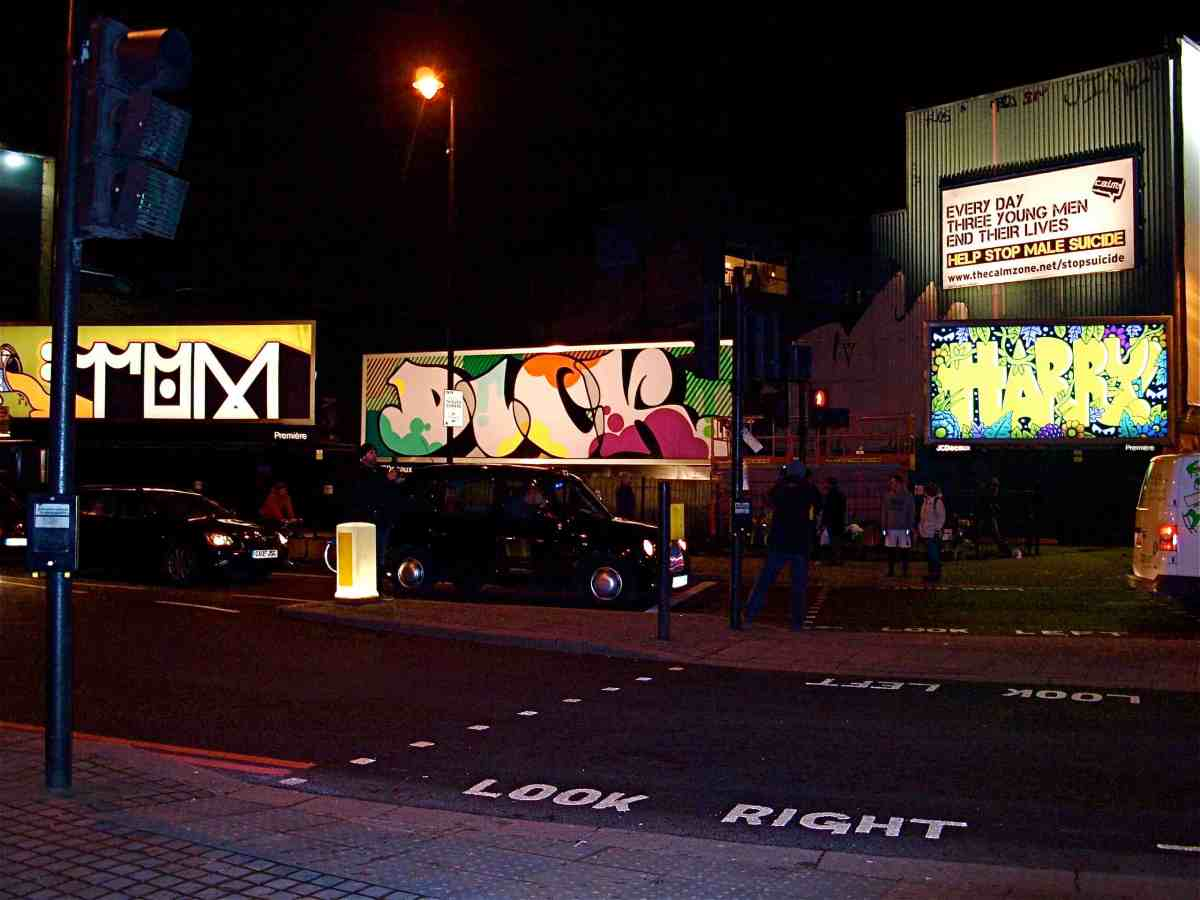 Graffiti Artists in Shoreditch to support Calm